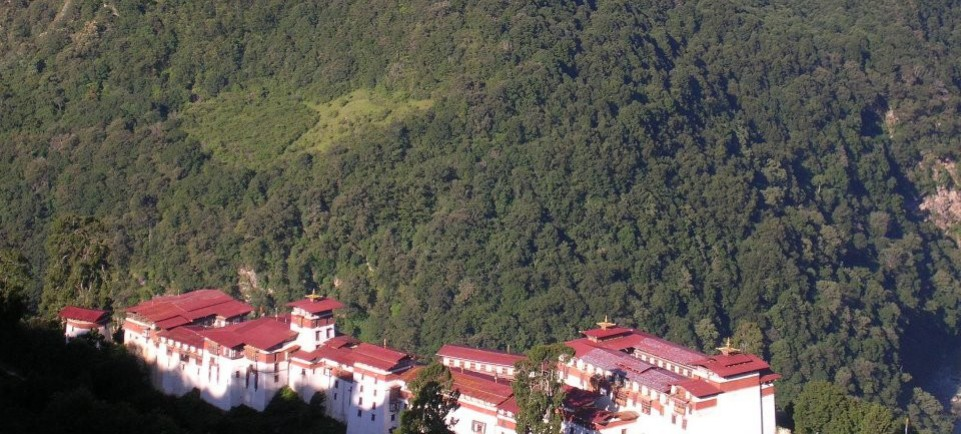 Commanding view of the magestic Trongsa Dzong